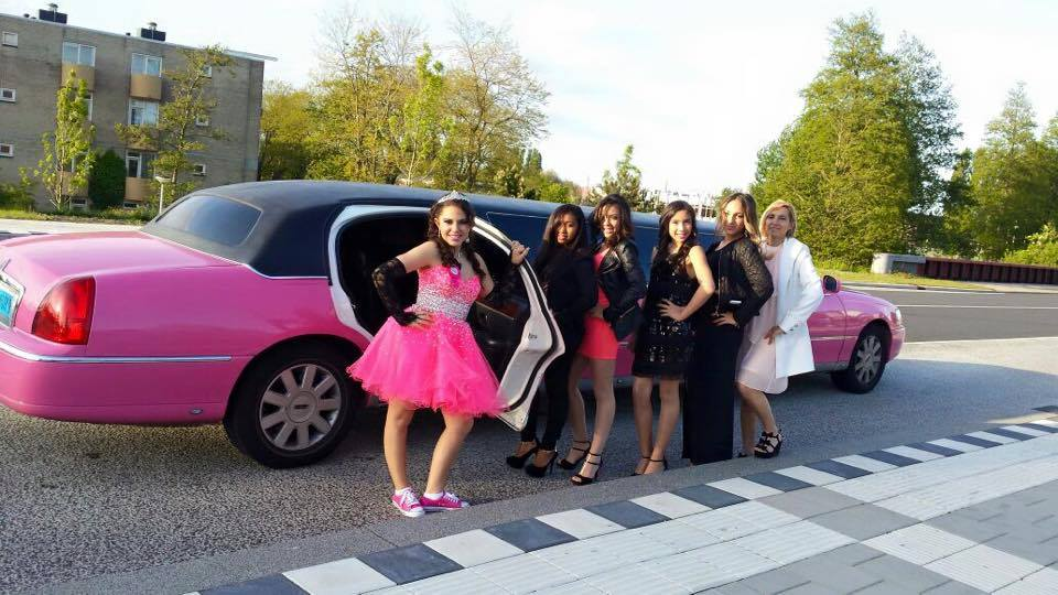 Lincoln roze limo